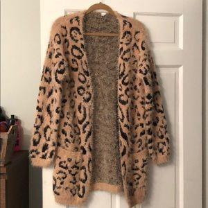Sweaters - One size leopard print sweater cardigan long